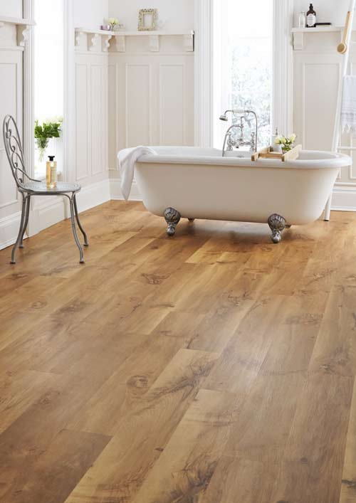 Bathroom-warm-wood-finish-vinyl-floor-planks